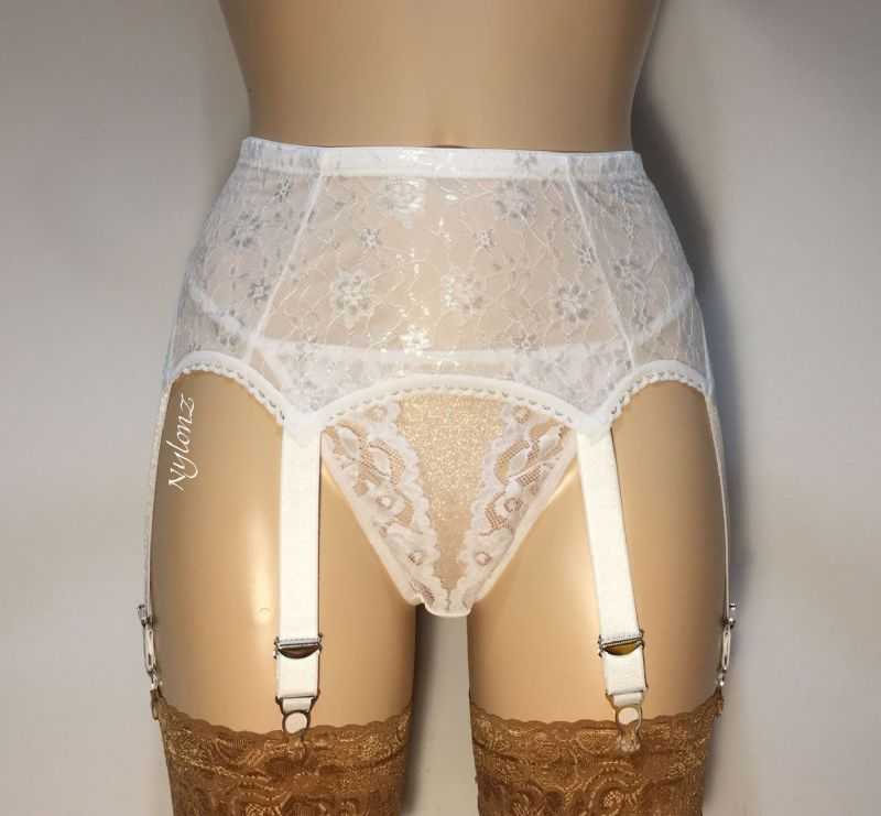 6 Strap All Lace Suspender Belt White
